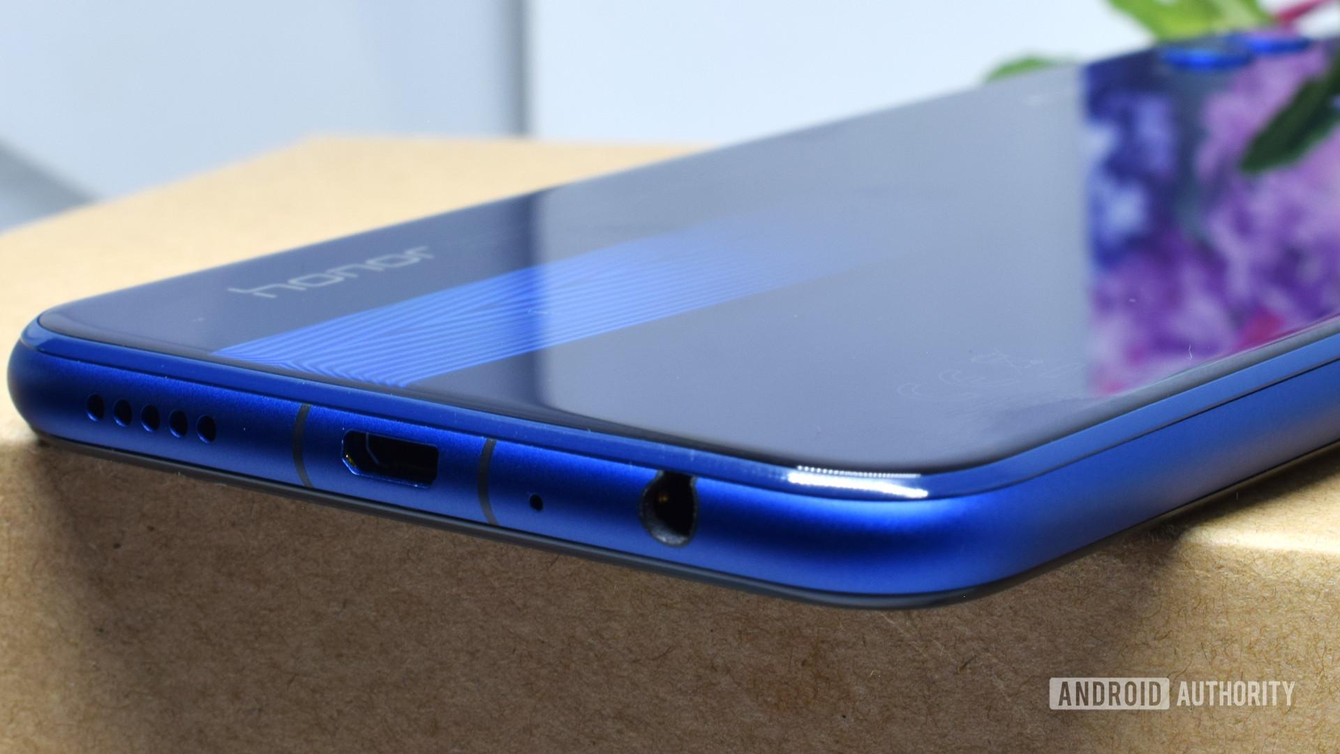 Blue Honor 8x bottom side