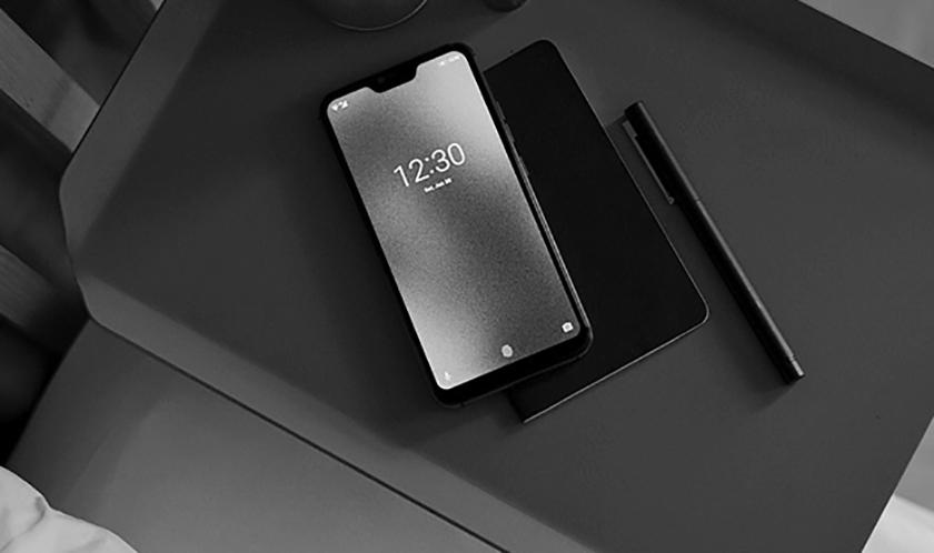 A promotional photo of the Blloc Zero 18 smartphone.