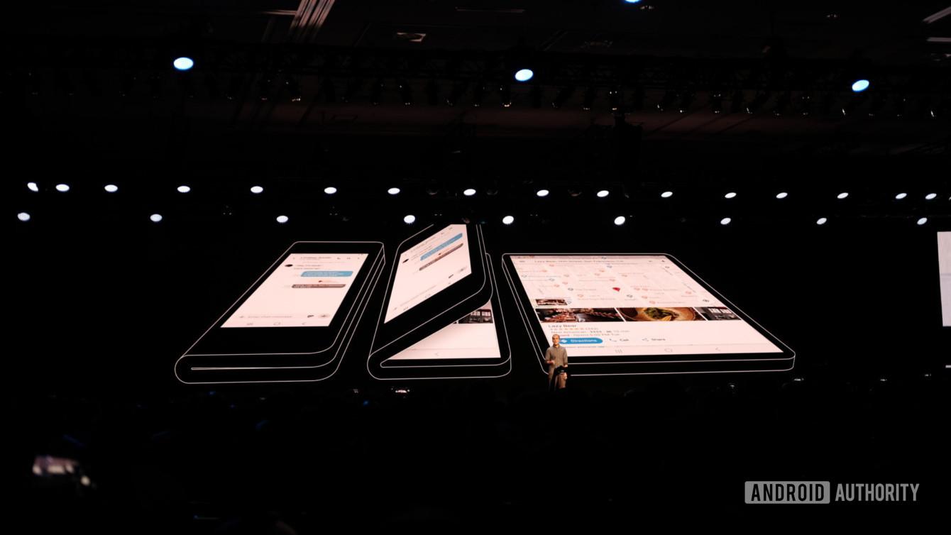 Samsung Akhirnya Pamerkan Ponsel Layar Lipatnya
