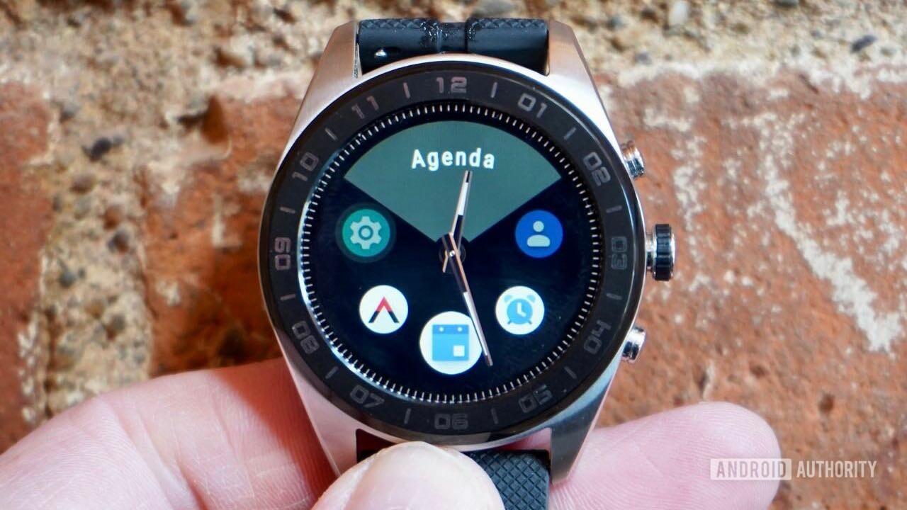 LG W7 smartwatch review app drawer