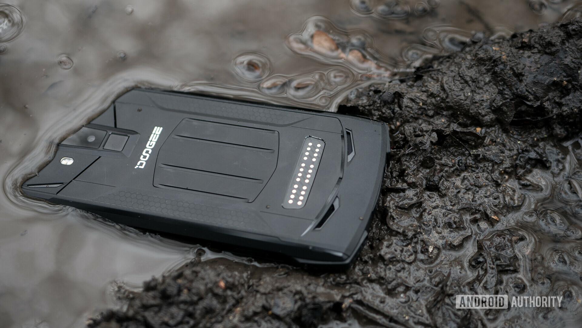 Doogee S90 Review - James Bone phone