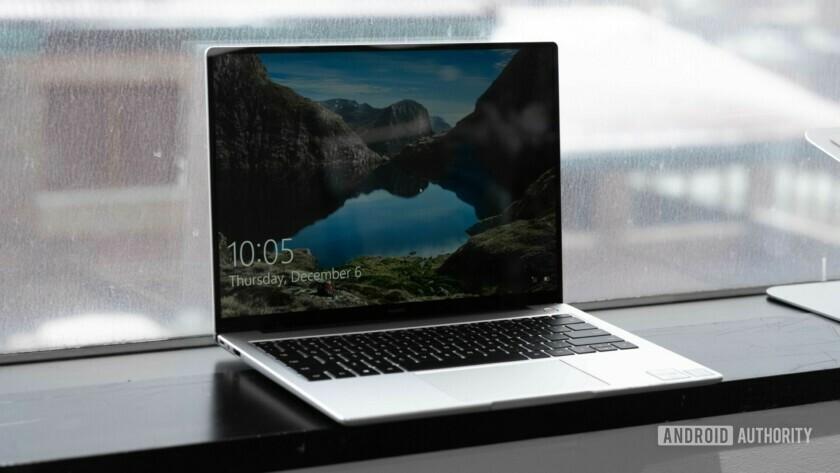 Huawei MateBook 14 open