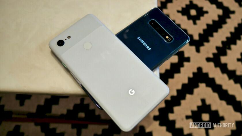 Samsung Galaxy S10 Plus vs Google Pixel 3 XL back