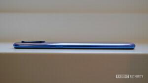 Xiaomi Mi 9 side profile camera bump
