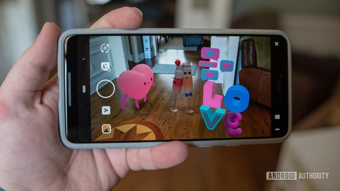 Google Pixel 3 Love Playmoji