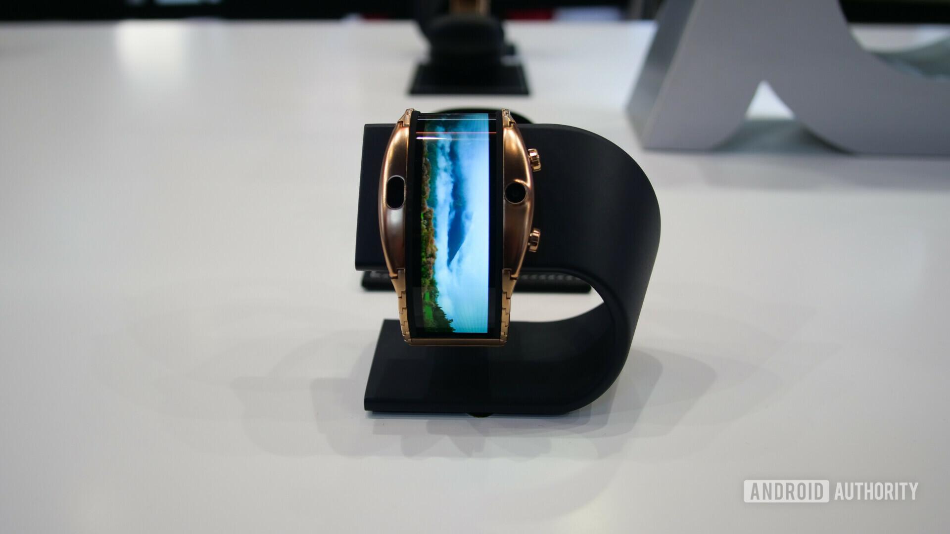nubia alpha flexible display smartwatch at mwc 2019