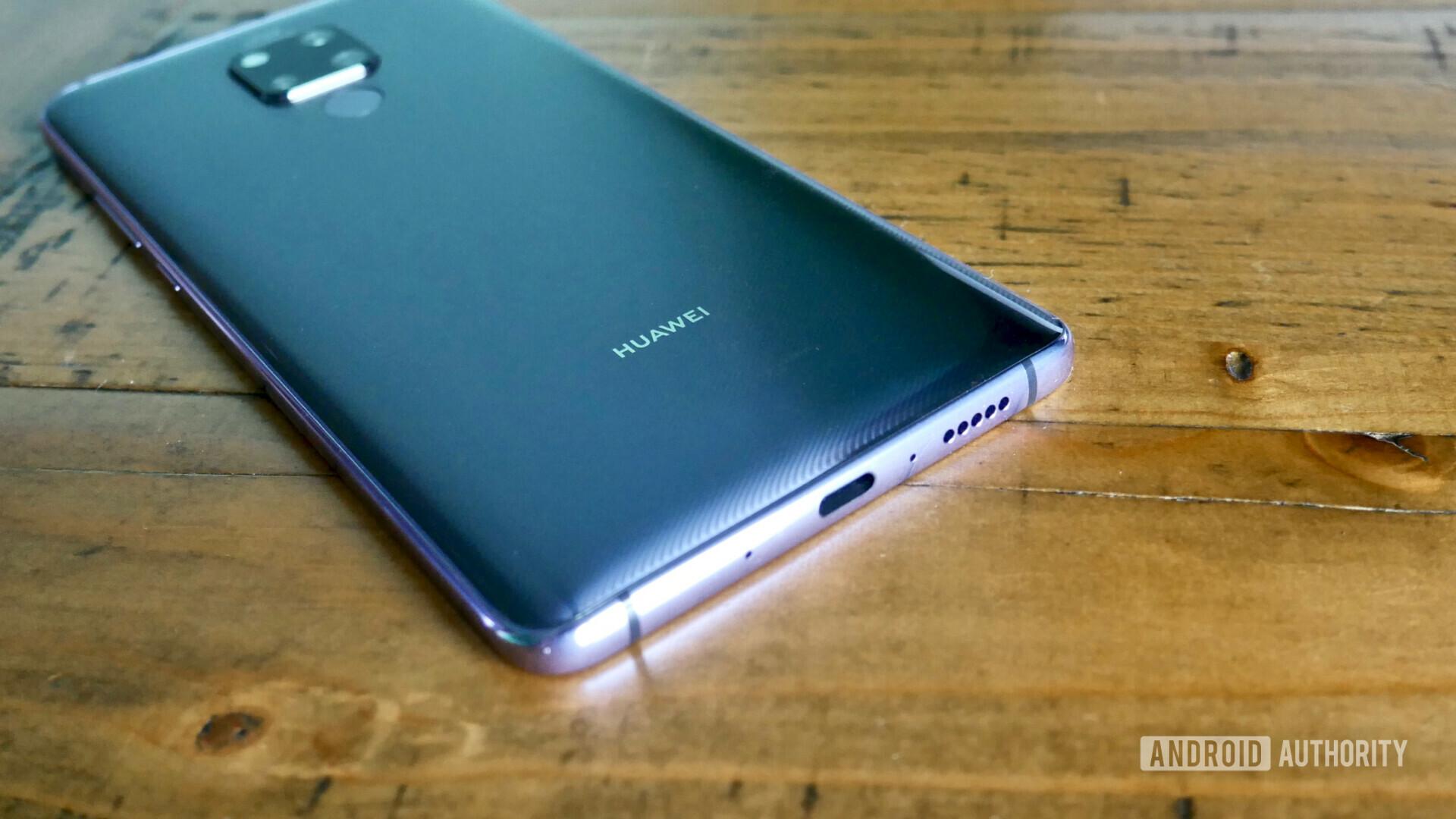 Huawei Mate 20 X review unit bottom