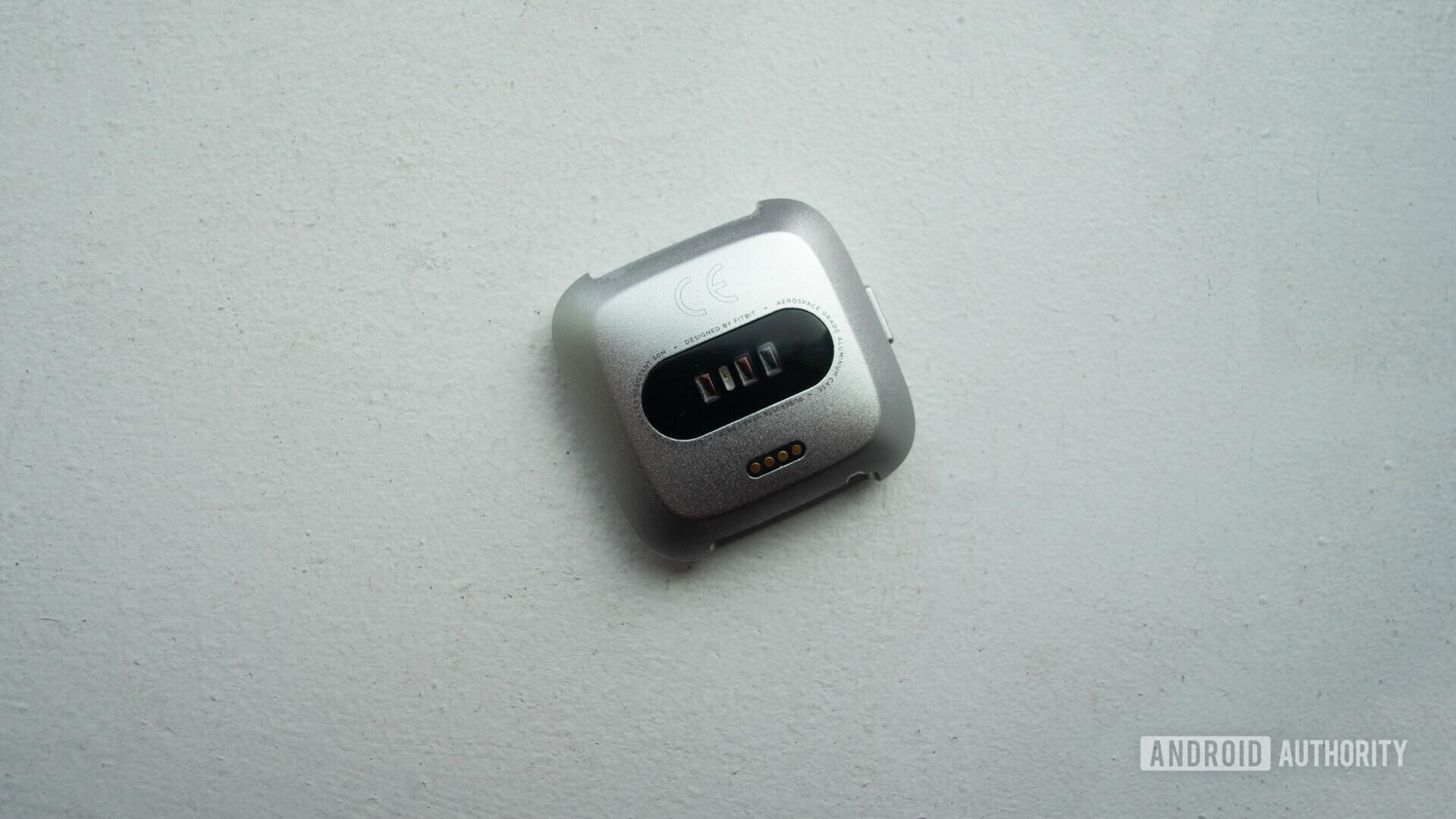 fitbit versa lite smartwatch heart rate sensor no straps