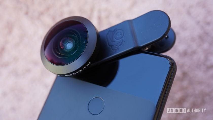 Black Eye Pro Kit G4 review fisheye on phone