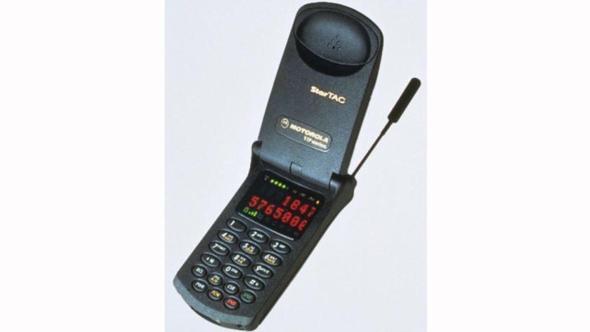 Motorola StarTAC clamshell phone