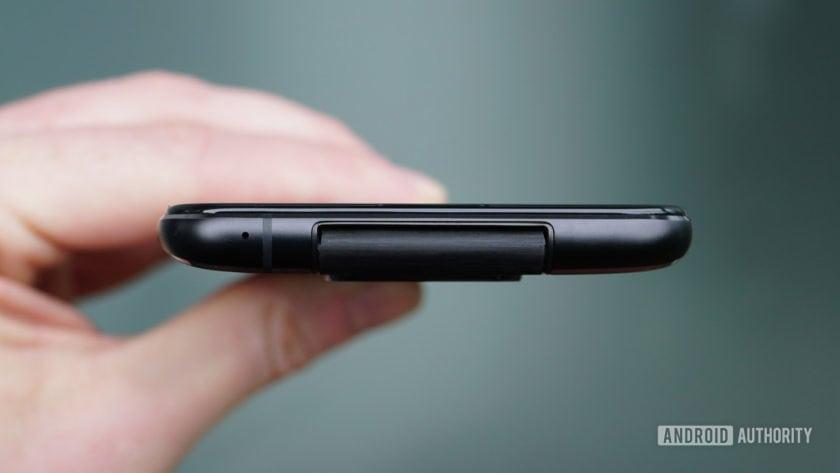 Asus Zenfone 6 flip camera hinge detail 2