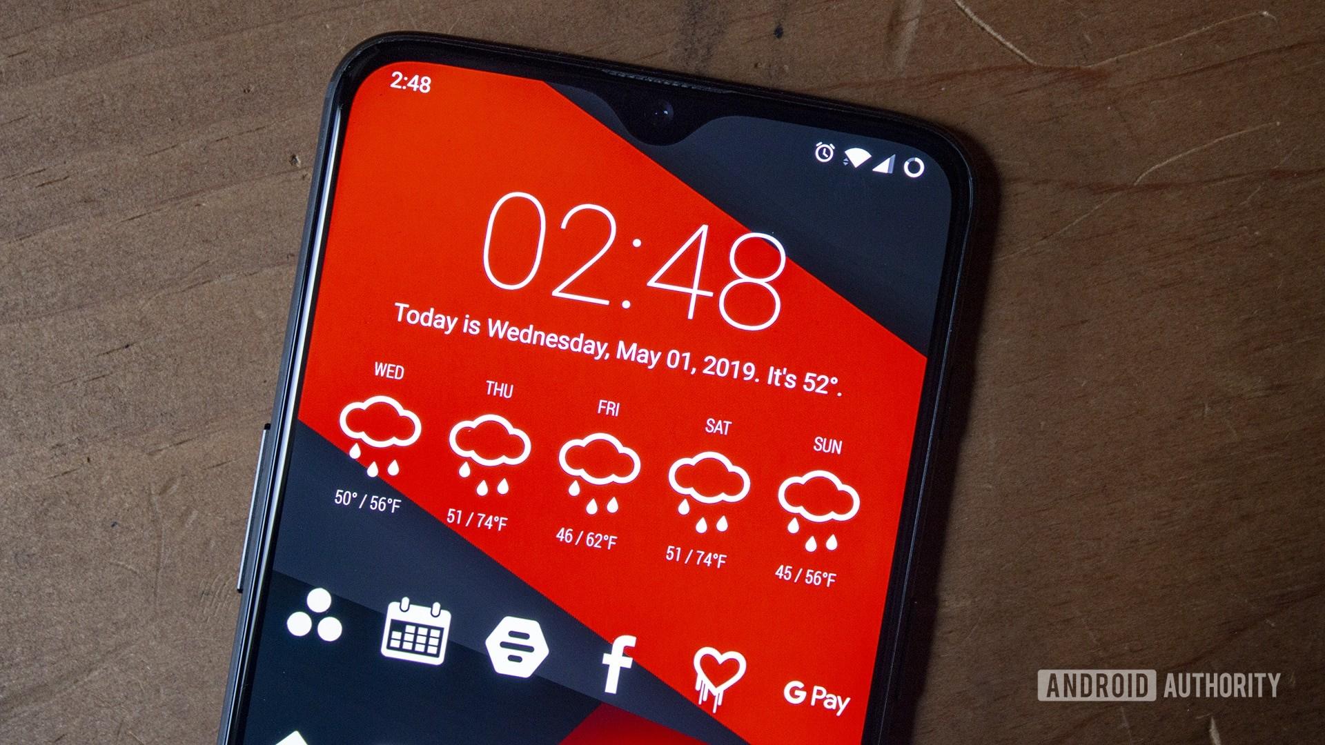 OnePlus 6T display with custom widget