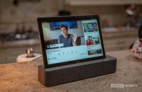 Lenovo Smart Tab P10 Docked YouTube