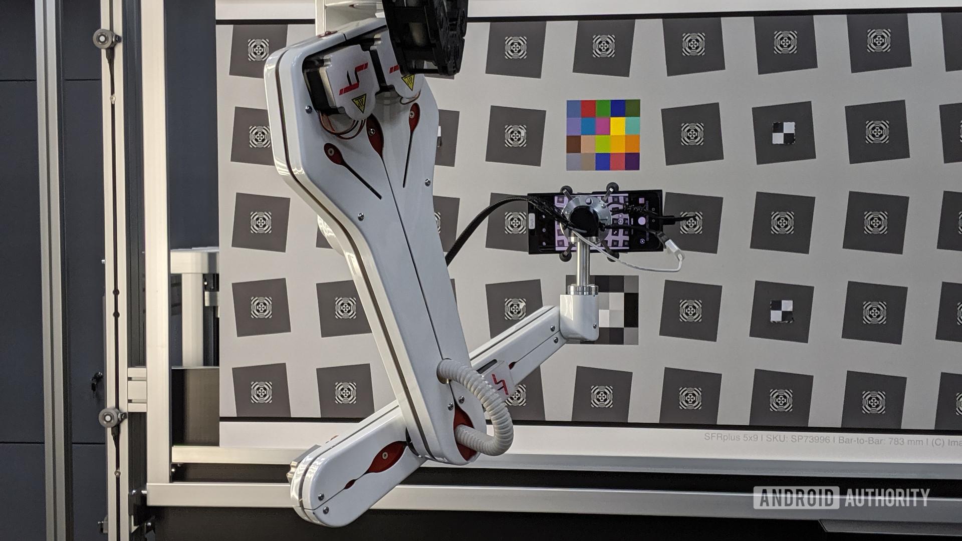 OnePlus Camera Lab - robot arm used to simulate multiple scenarios