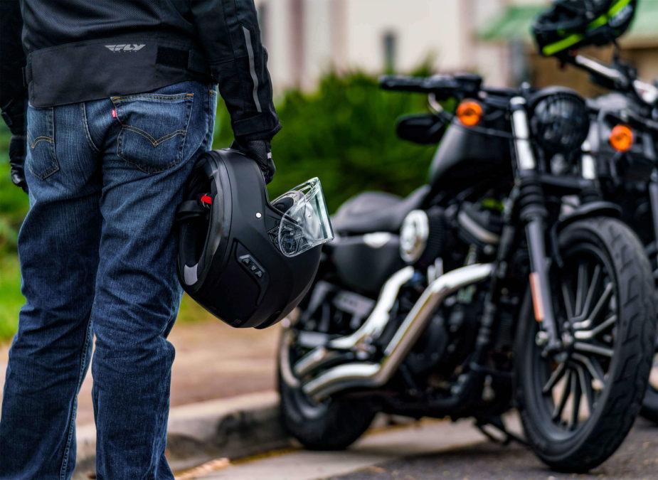 Best smart motorcycle helmets. Sena Momentum Lite.
