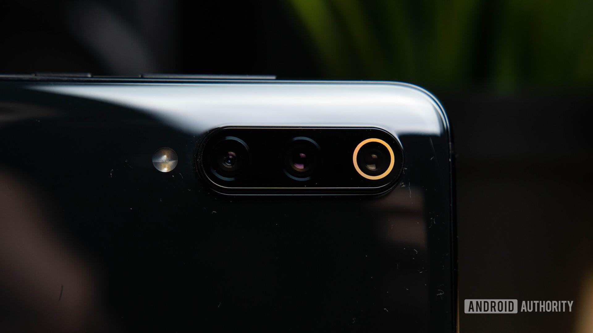Xiaomi Mi 9 cameras on rear