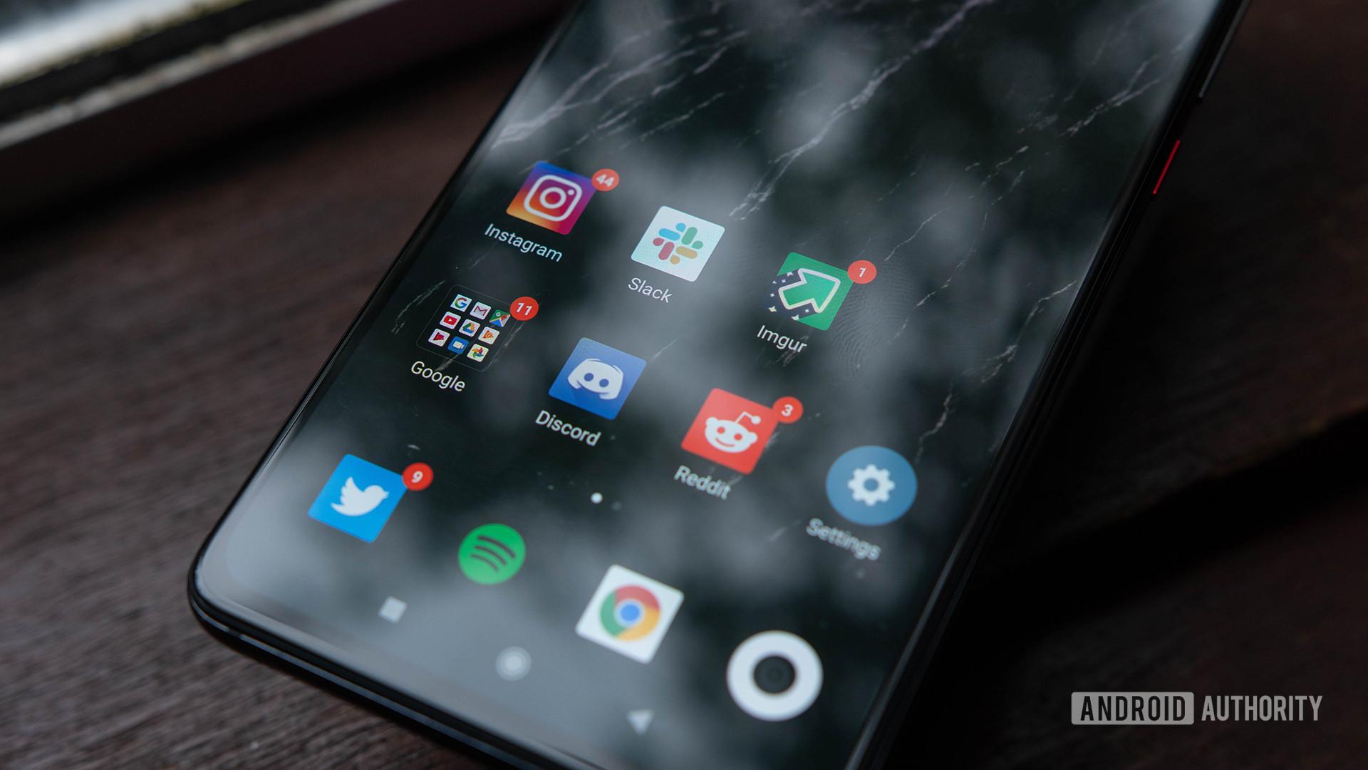 Xiaomi Mi 9T Close up on display