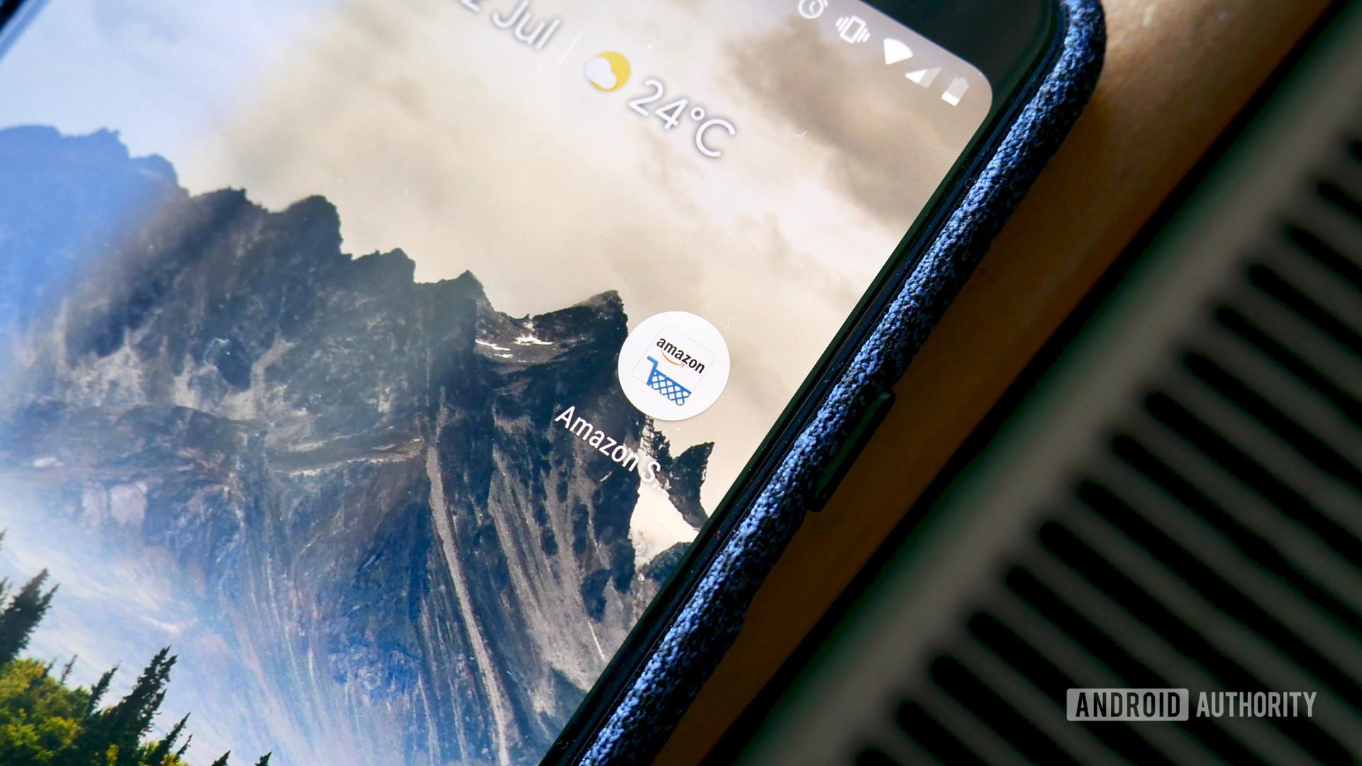 Amazon app logo on Pixel 3 XL