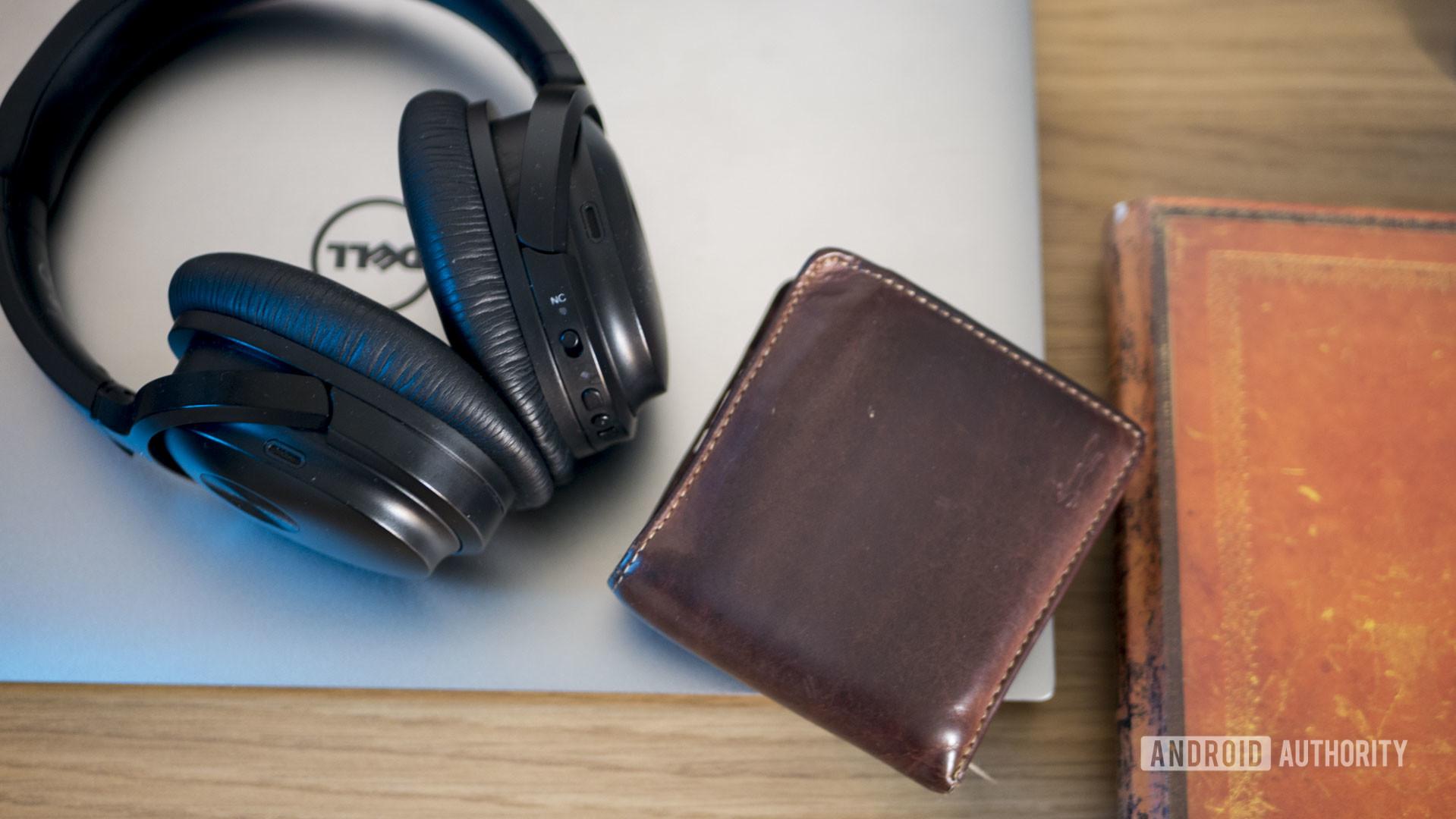 Online Business Headphones Wallet Book