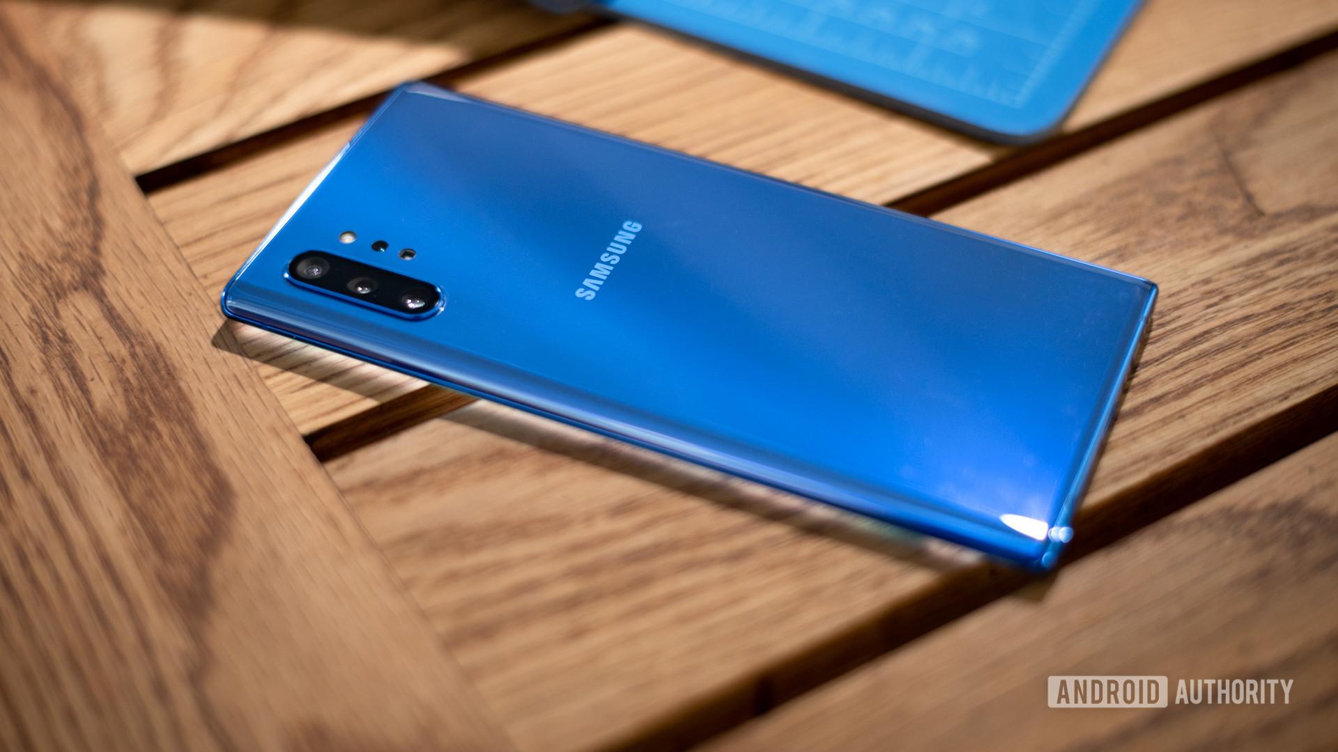 Samsung Galaxy Note 10 Plus Aura Blue at angle