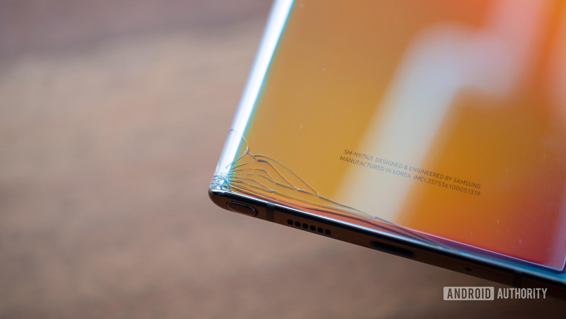 Samsung Galaxy Note 10 Plus back corner crack