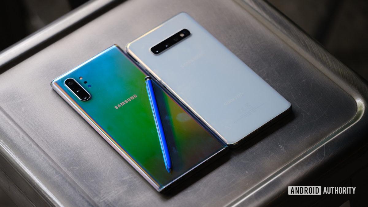 Samsung Galaxy Note 10 Plus back vs Samsung Galaxy S10 Plus
