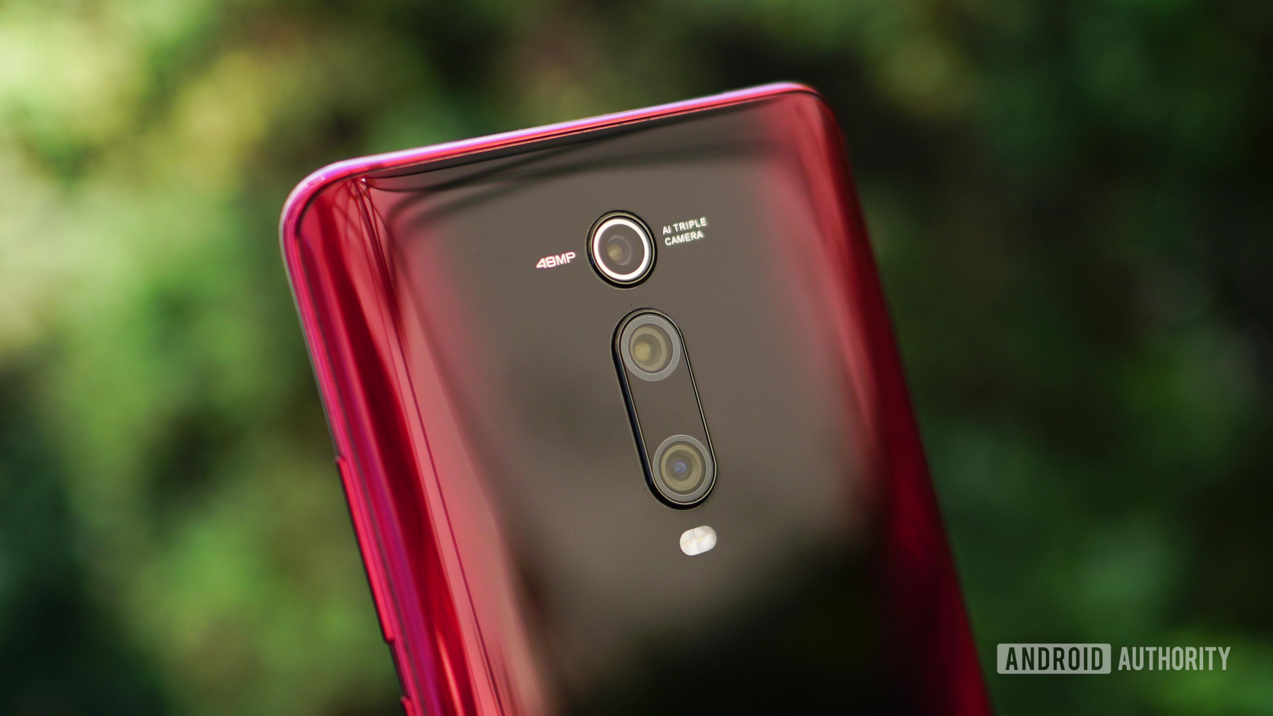 Xiaomi Mi 9T Pro red back camera detail 2