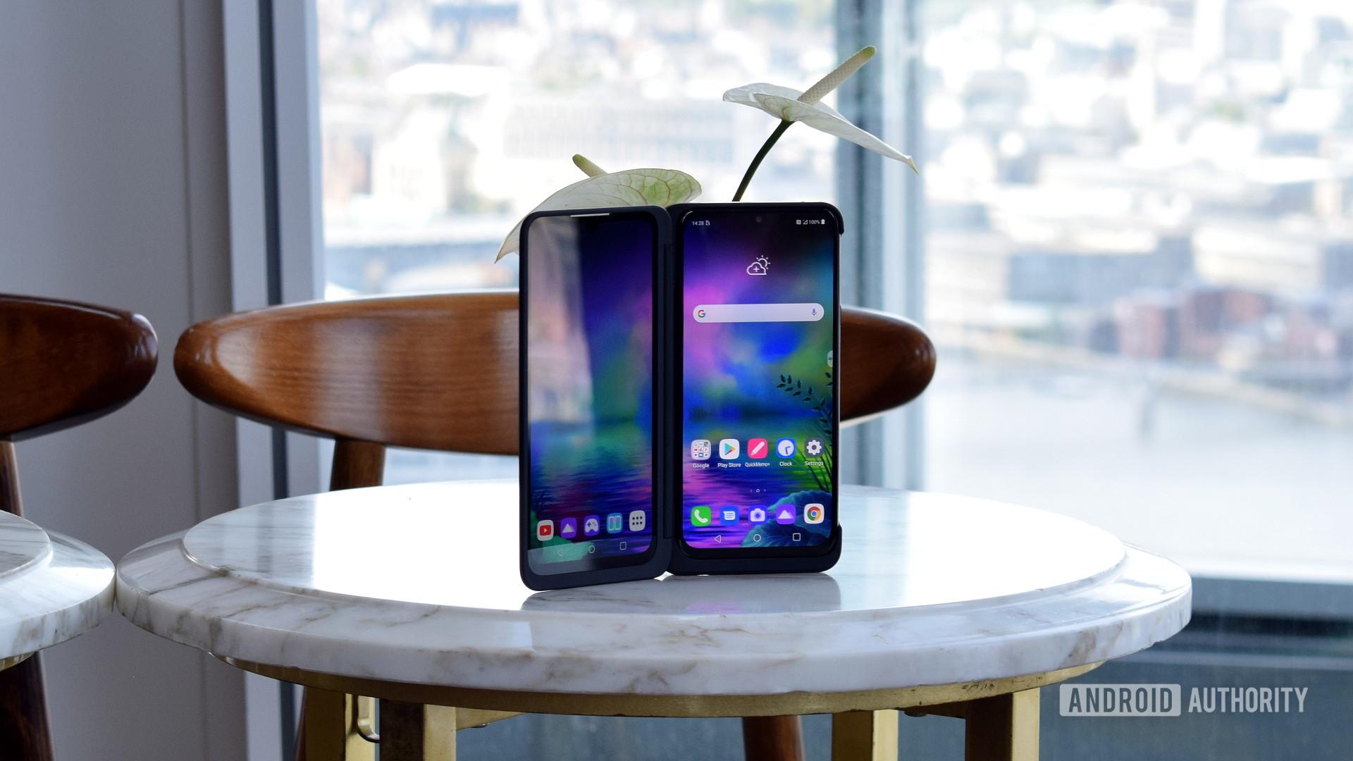 LG G8X ThinQ Dual Panel 1