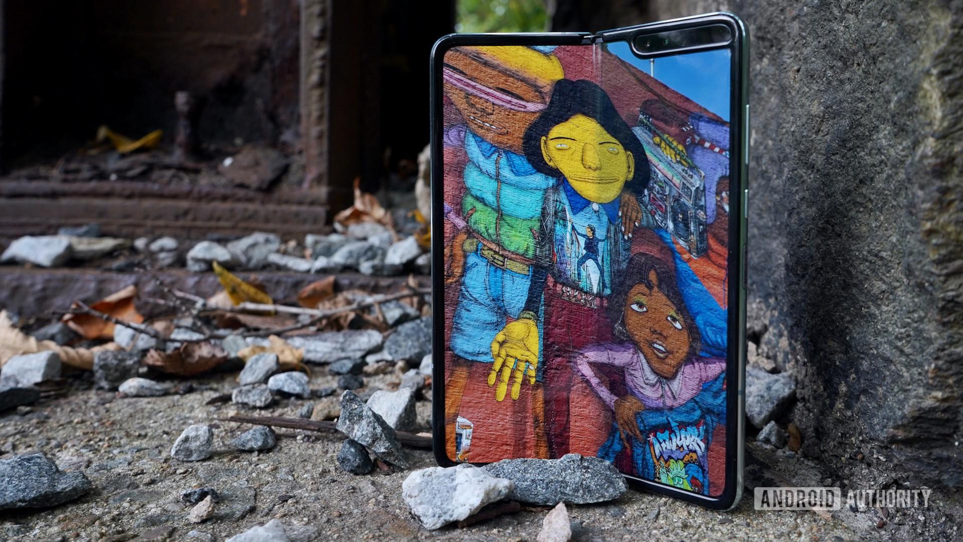 Samsung Galaxy Fold review art on the bridge
