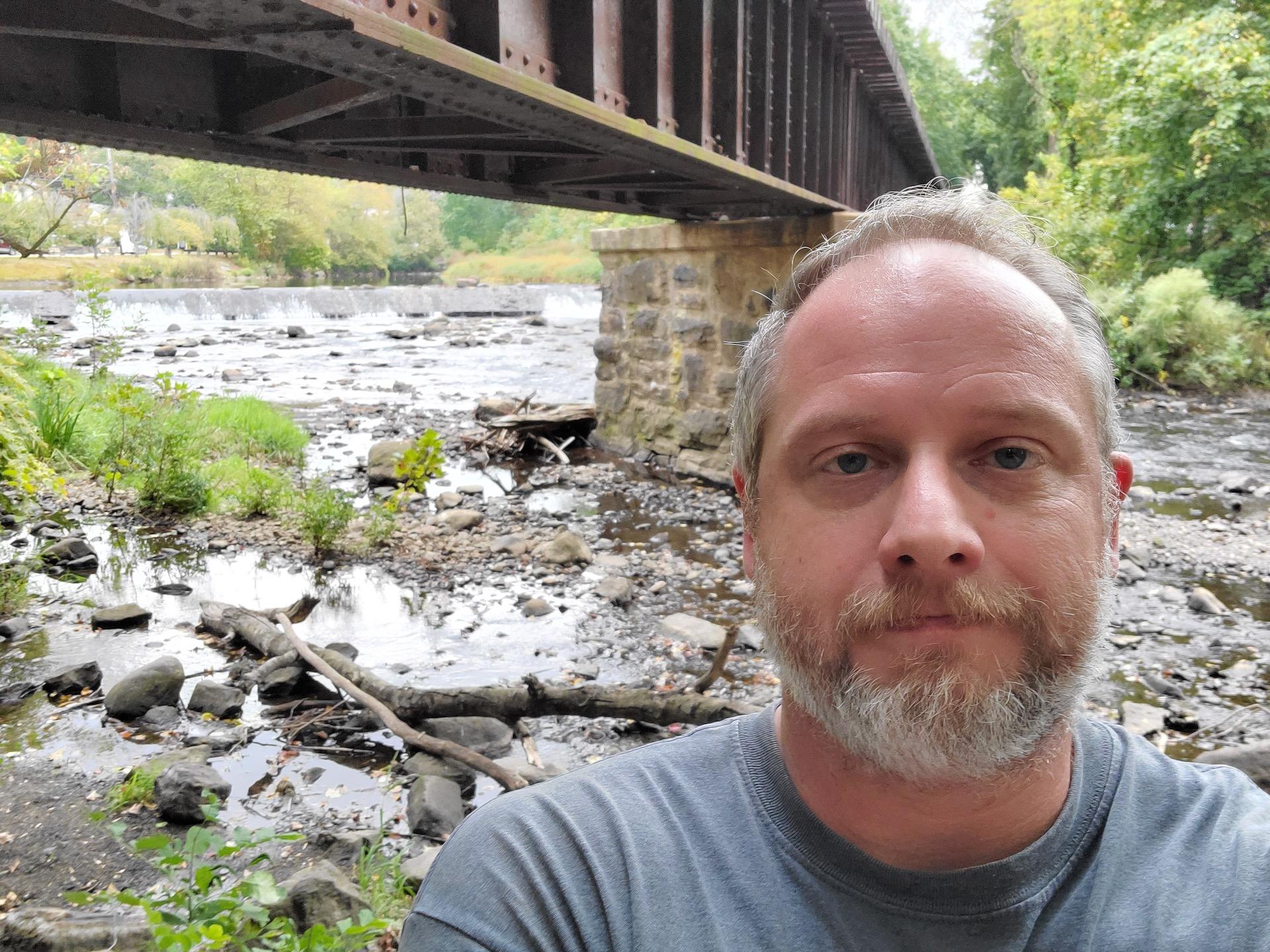Samsung Galaxy Fold review camera sample bridge selfie