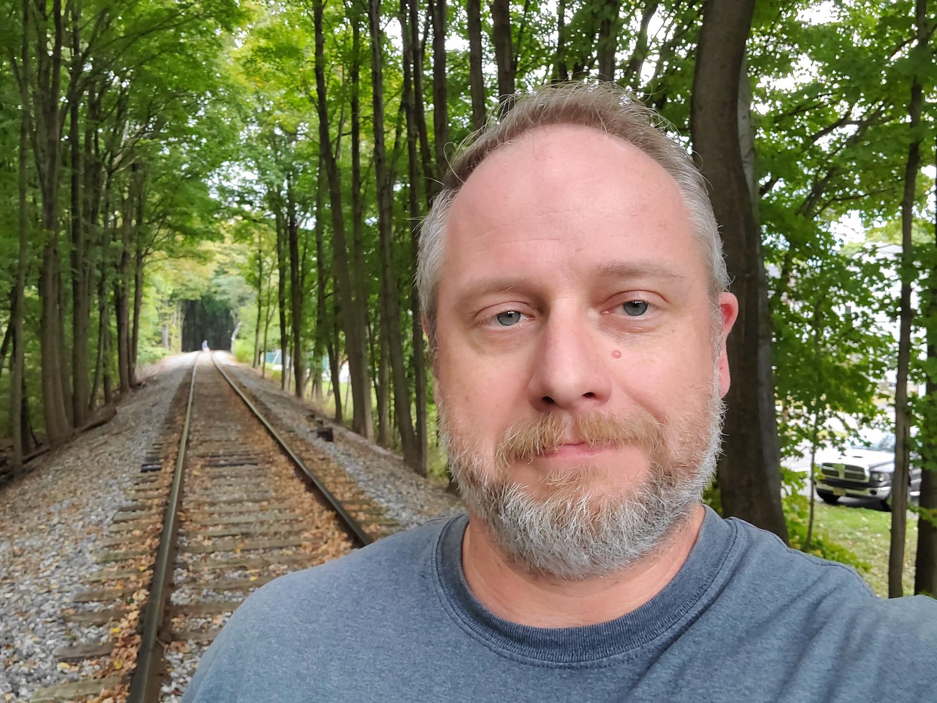 Samsung Galaxy Fold review camera sample track selfie
