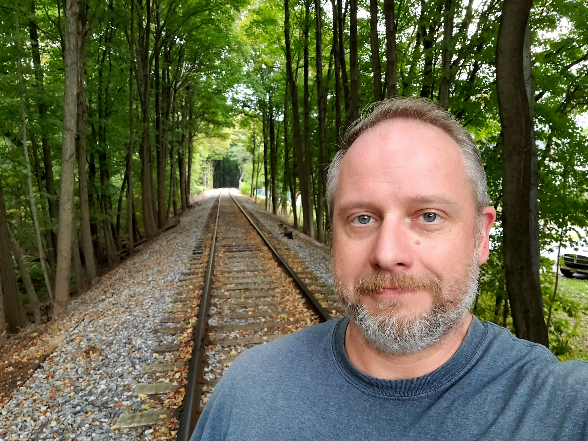 Samsung Galaxy Fold review camera sample wide track selfie