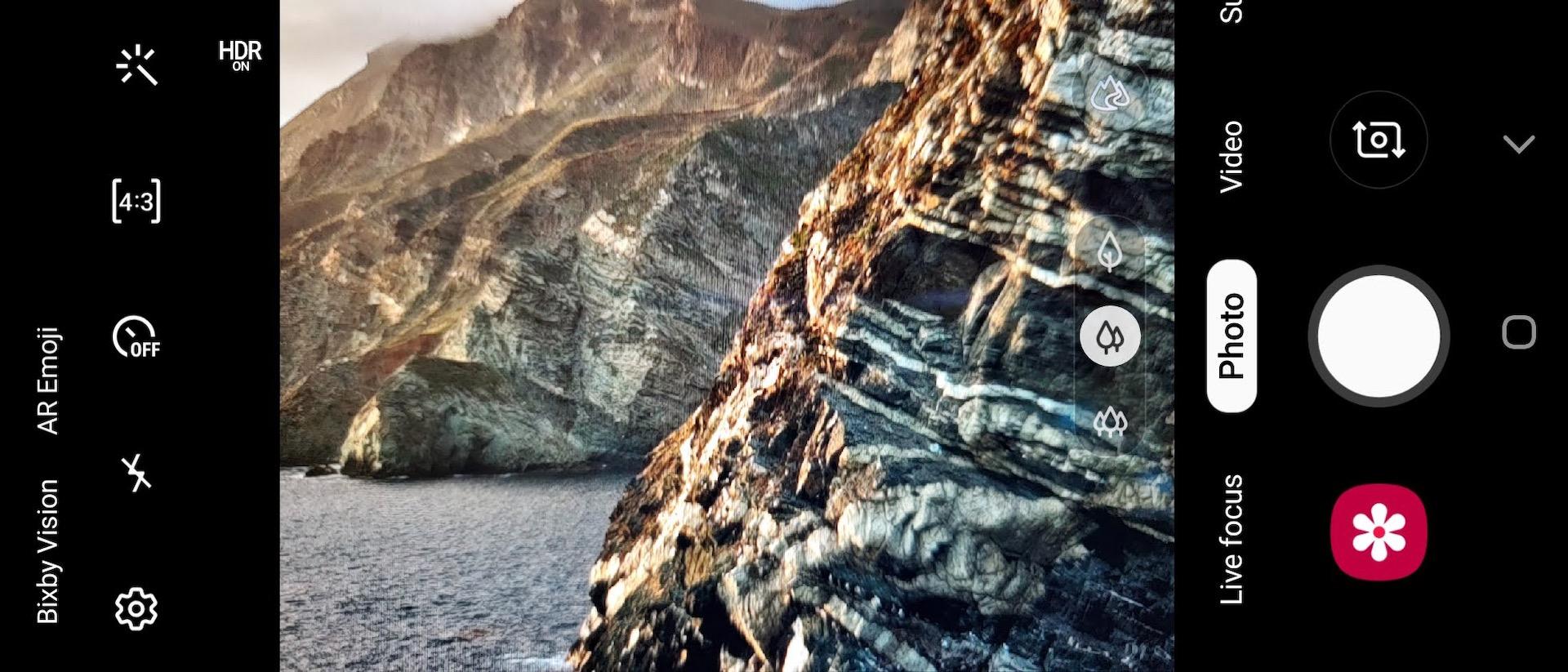 Samsung Galaxy Fold review cover display camera photo