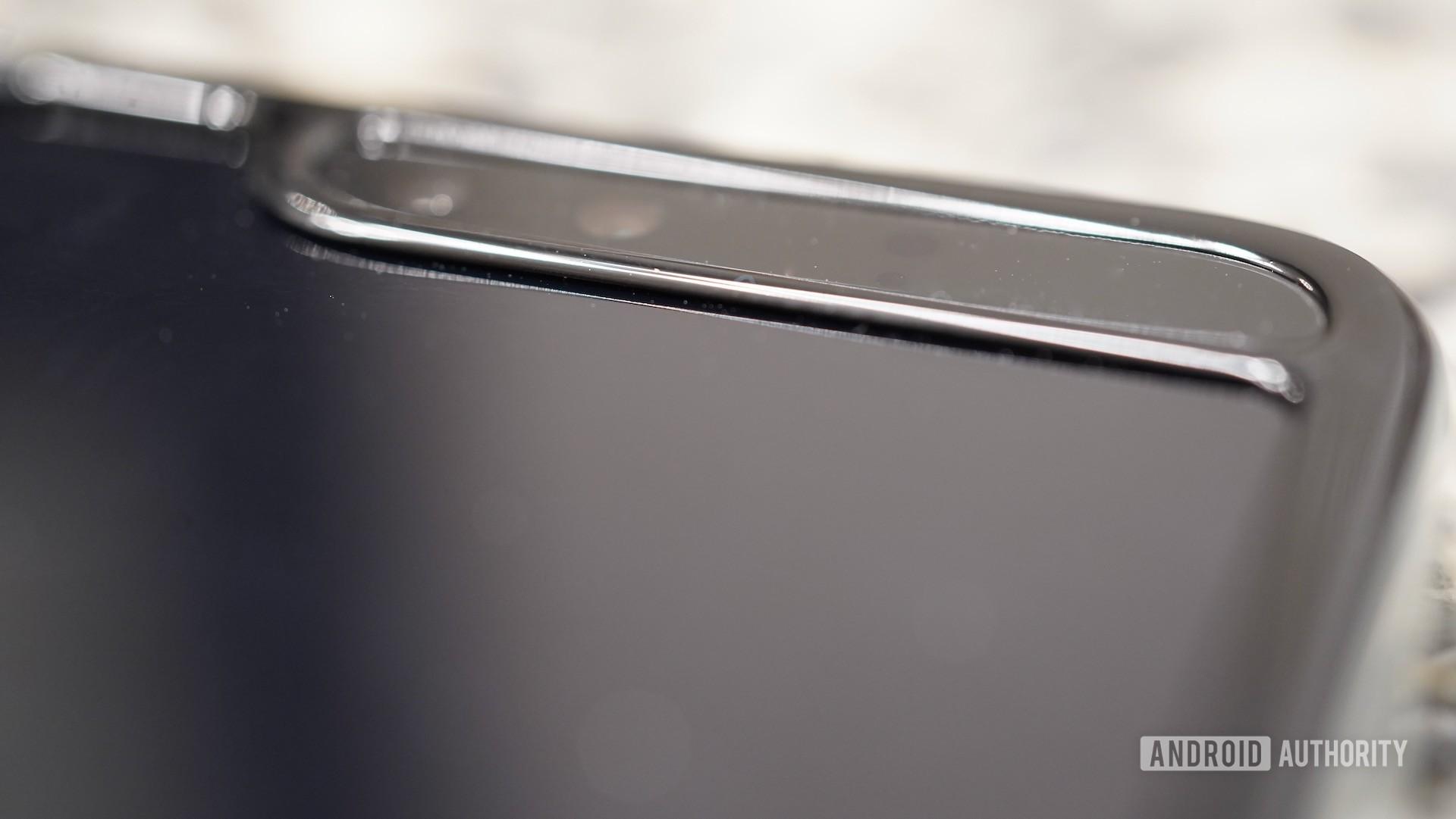 Samsung Galaxy Fold review main display notch