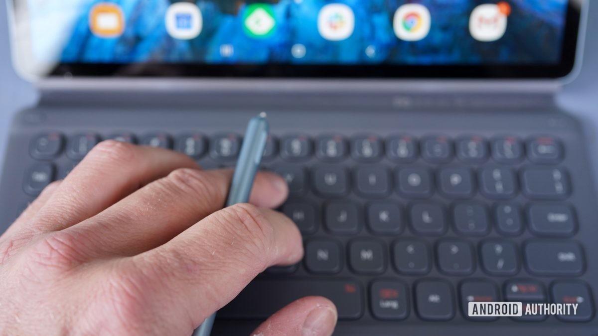 Samsung Galaxy Tab S6 review hand S Pen keyboard