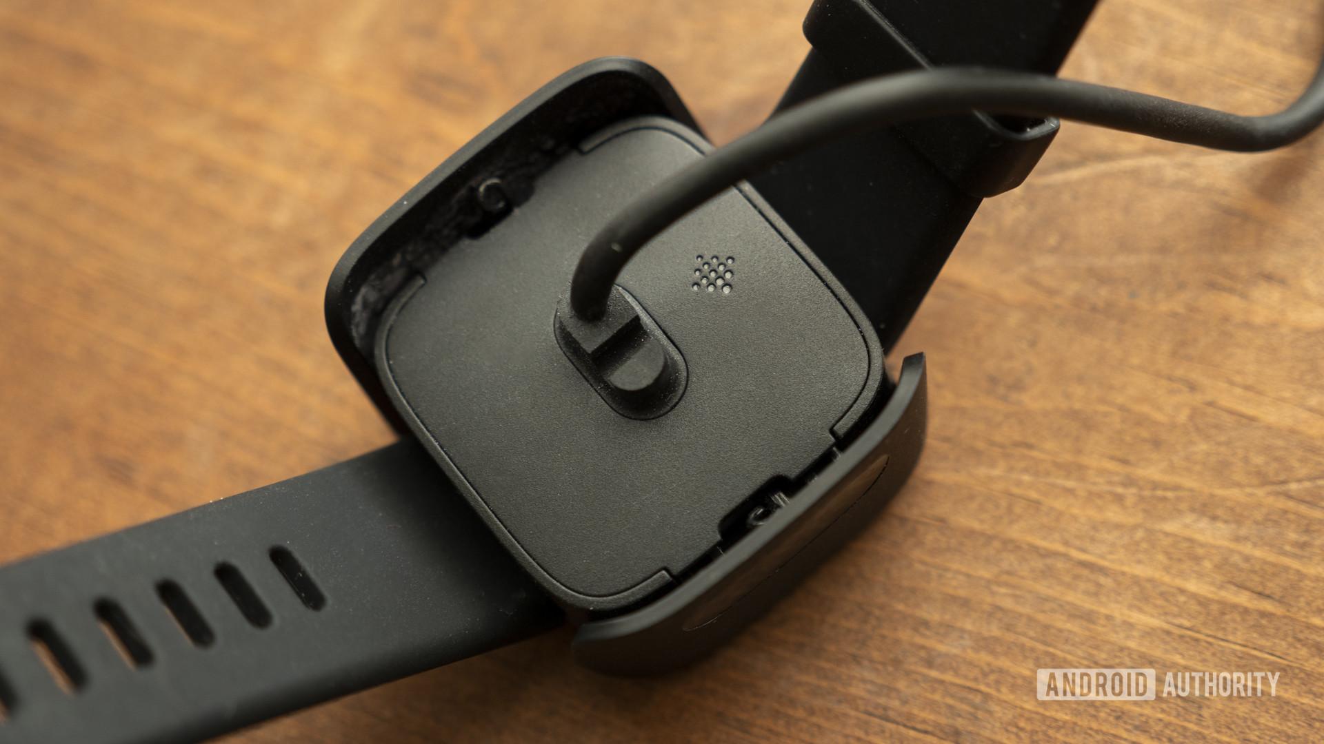 fitbit versa 2 review charging dock 1