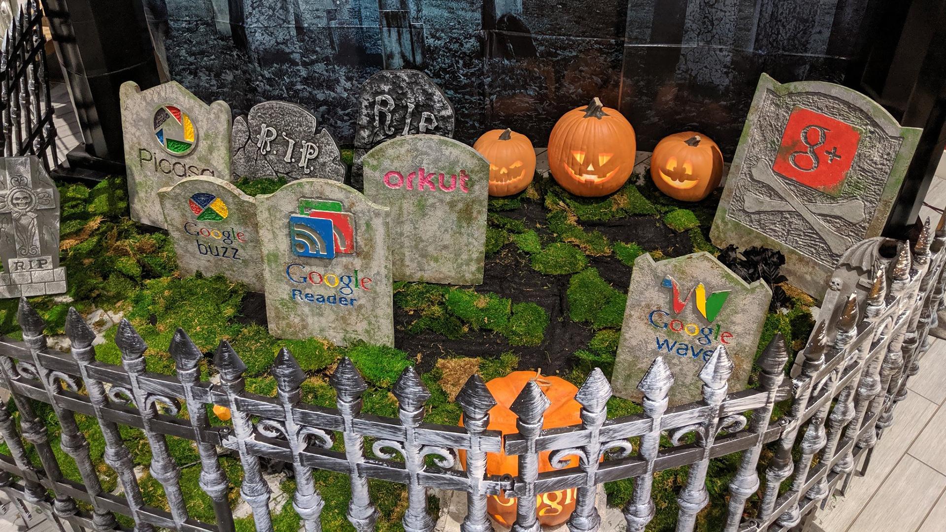 Google Graveyard Halloween 2019 Hero