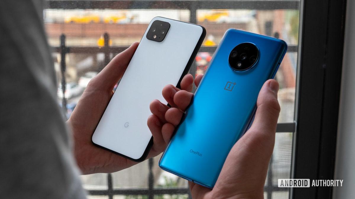 Google Pixel 4 XL vs OnePlus 7T design in hand