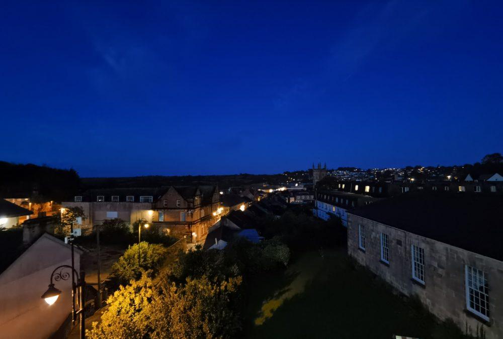 Huawei Mate 30 Pro Camera test night shot overlooking UK town