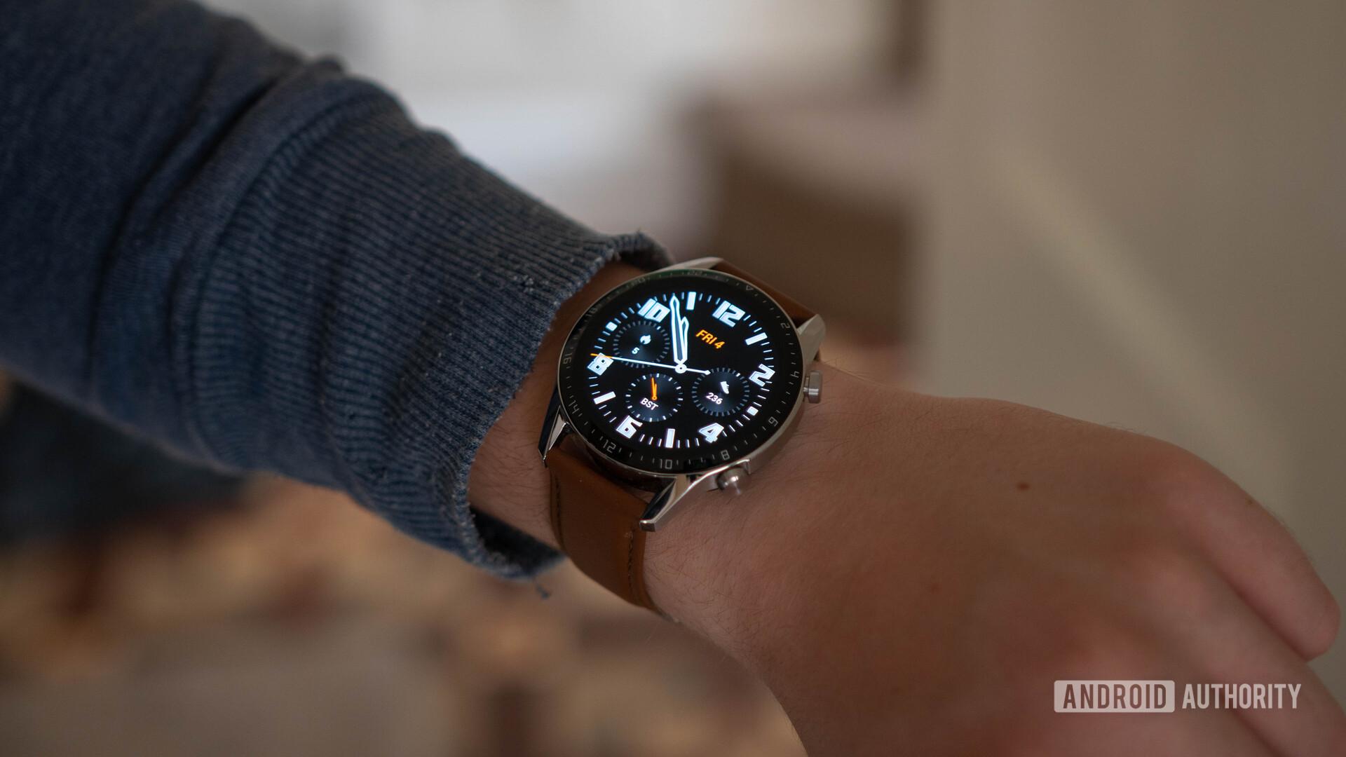 Huawei Watch GT 2 Wearing the watch