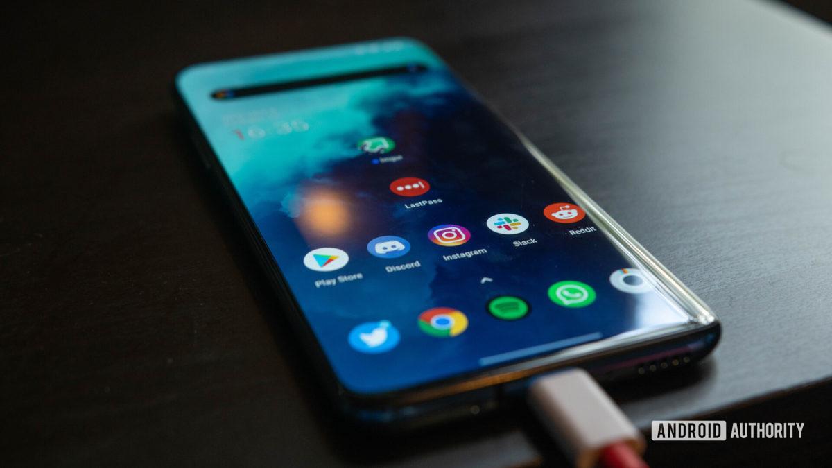 OnePlus 7T Pro display