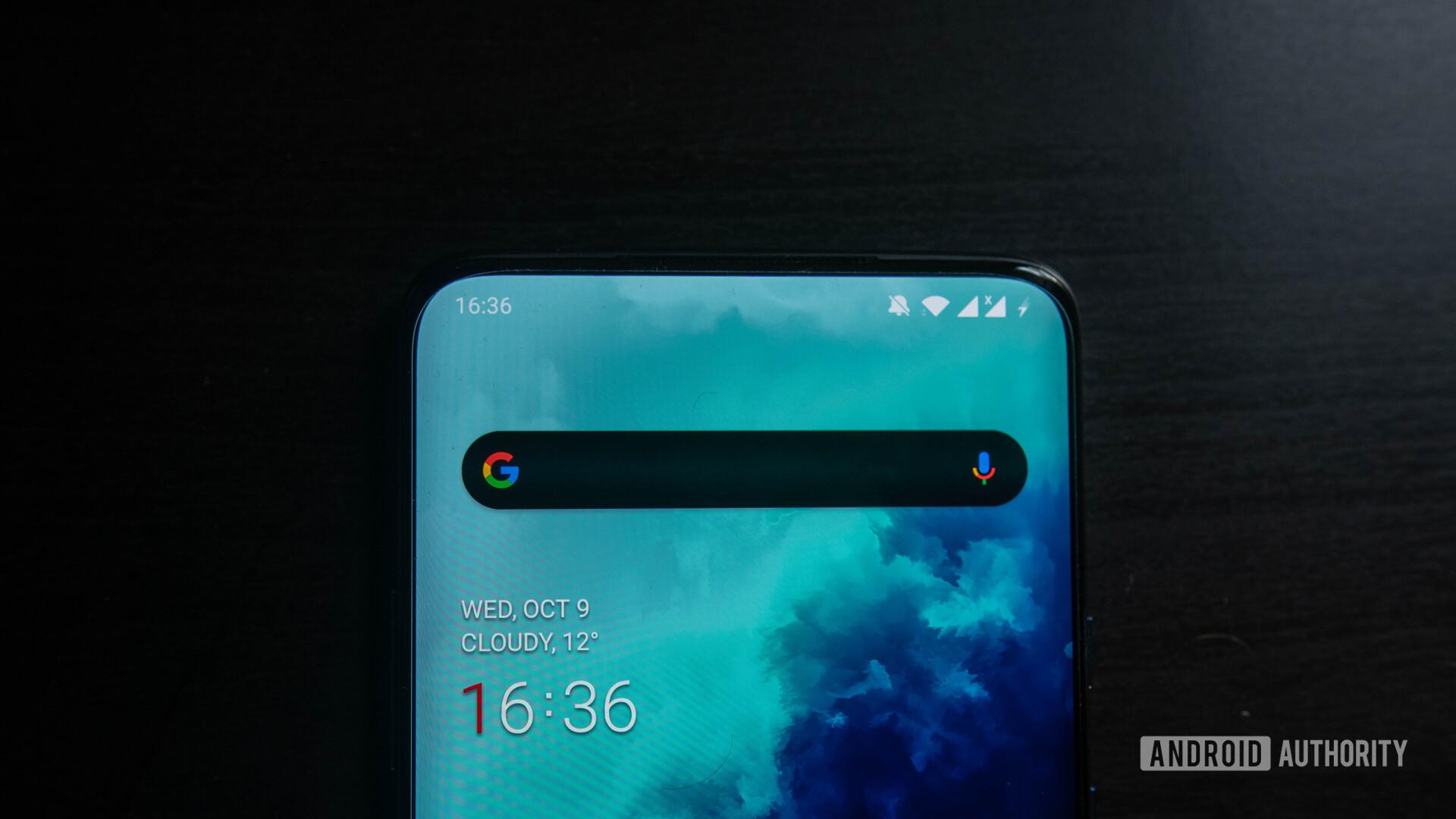 OnePlus 7T Pro front status bar