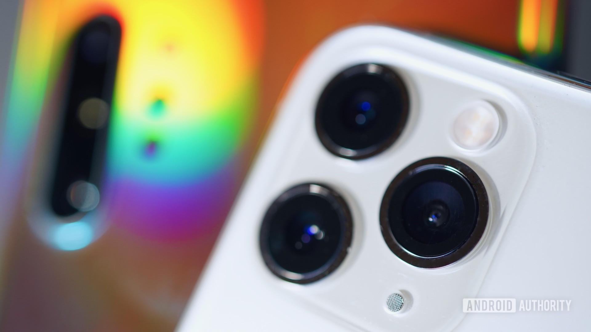 iPhone 11 Pro Samsung Galaxy Note 10 Plus camera closeups