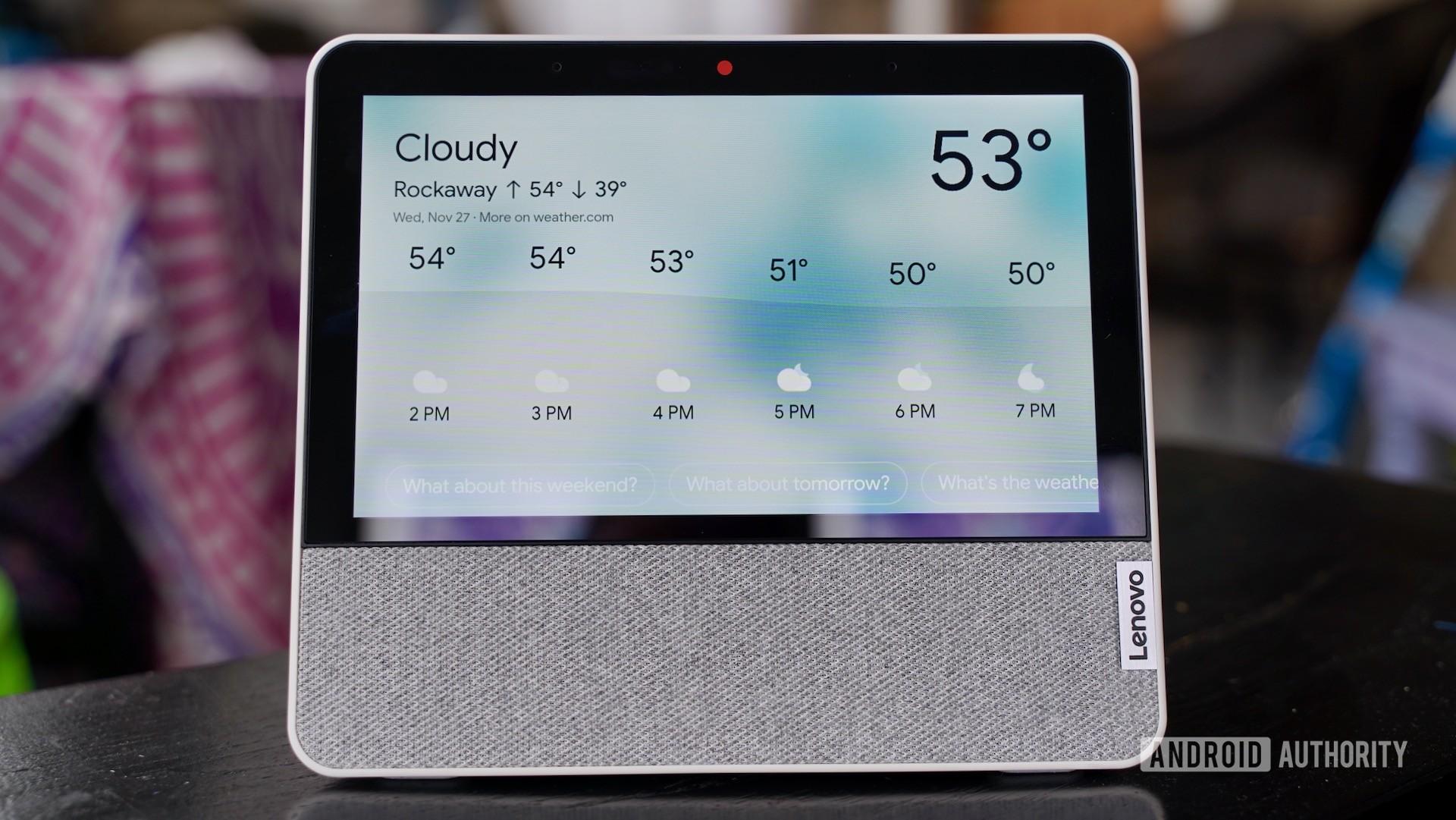 Lenovo Smart Display 7 review checking weather
