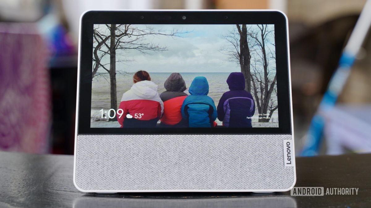 Lenovo Smart Display 7 review photo frame