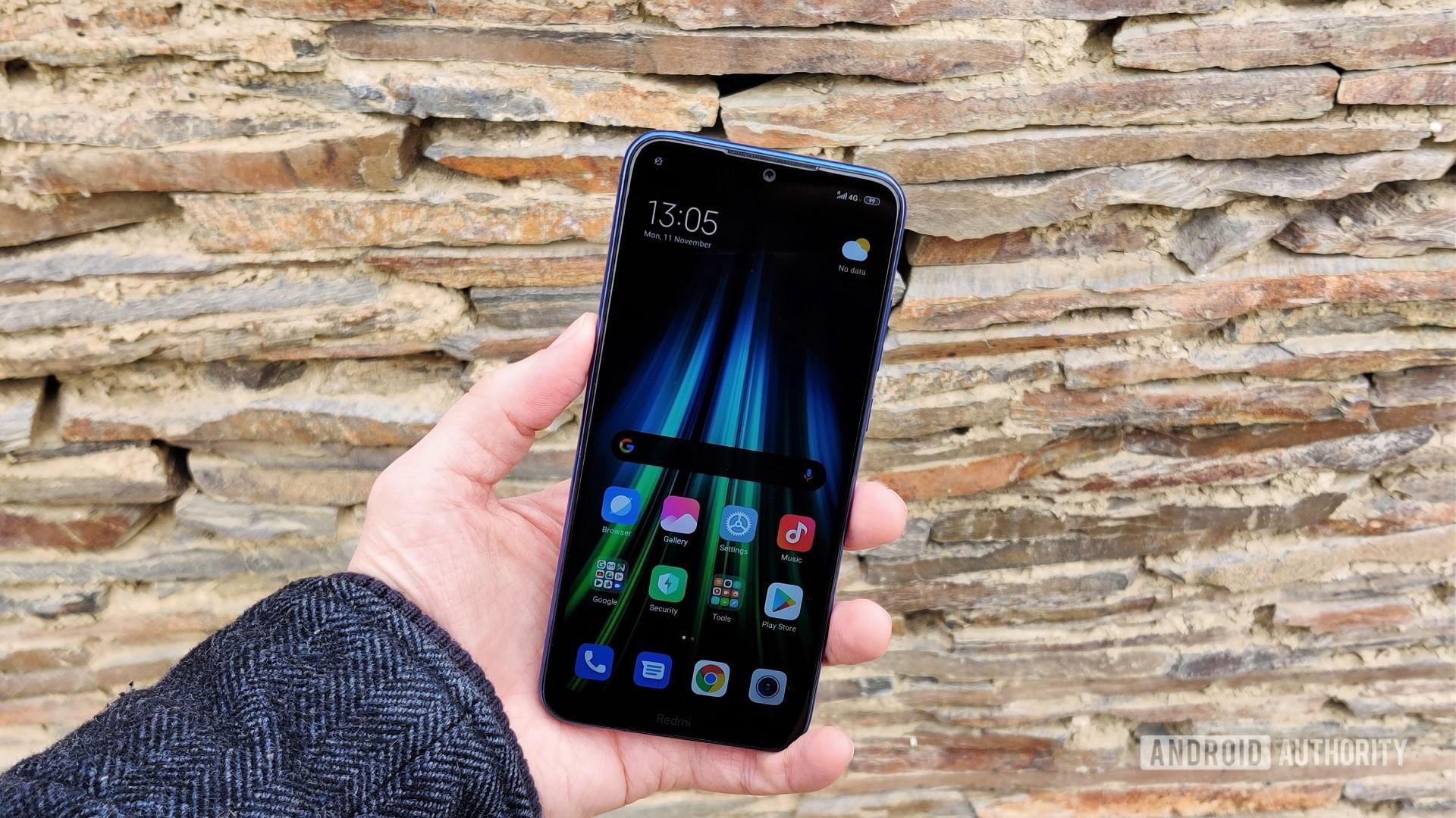 Redmi Note 8T in hand