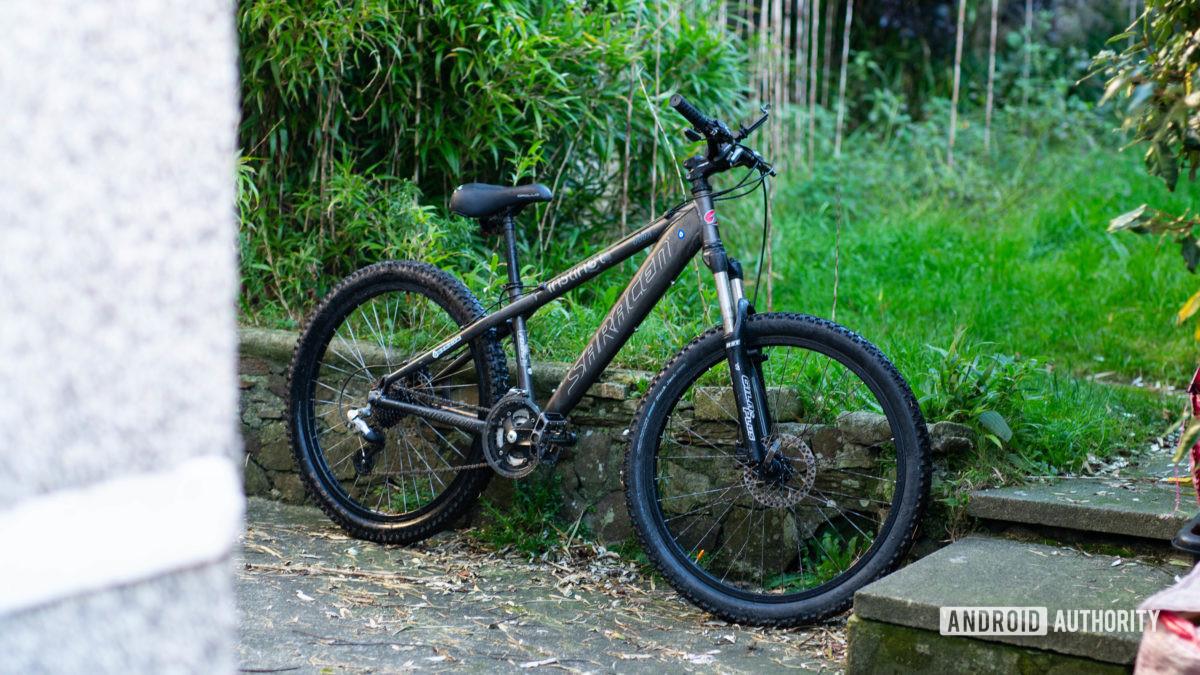 Bike with phone mount