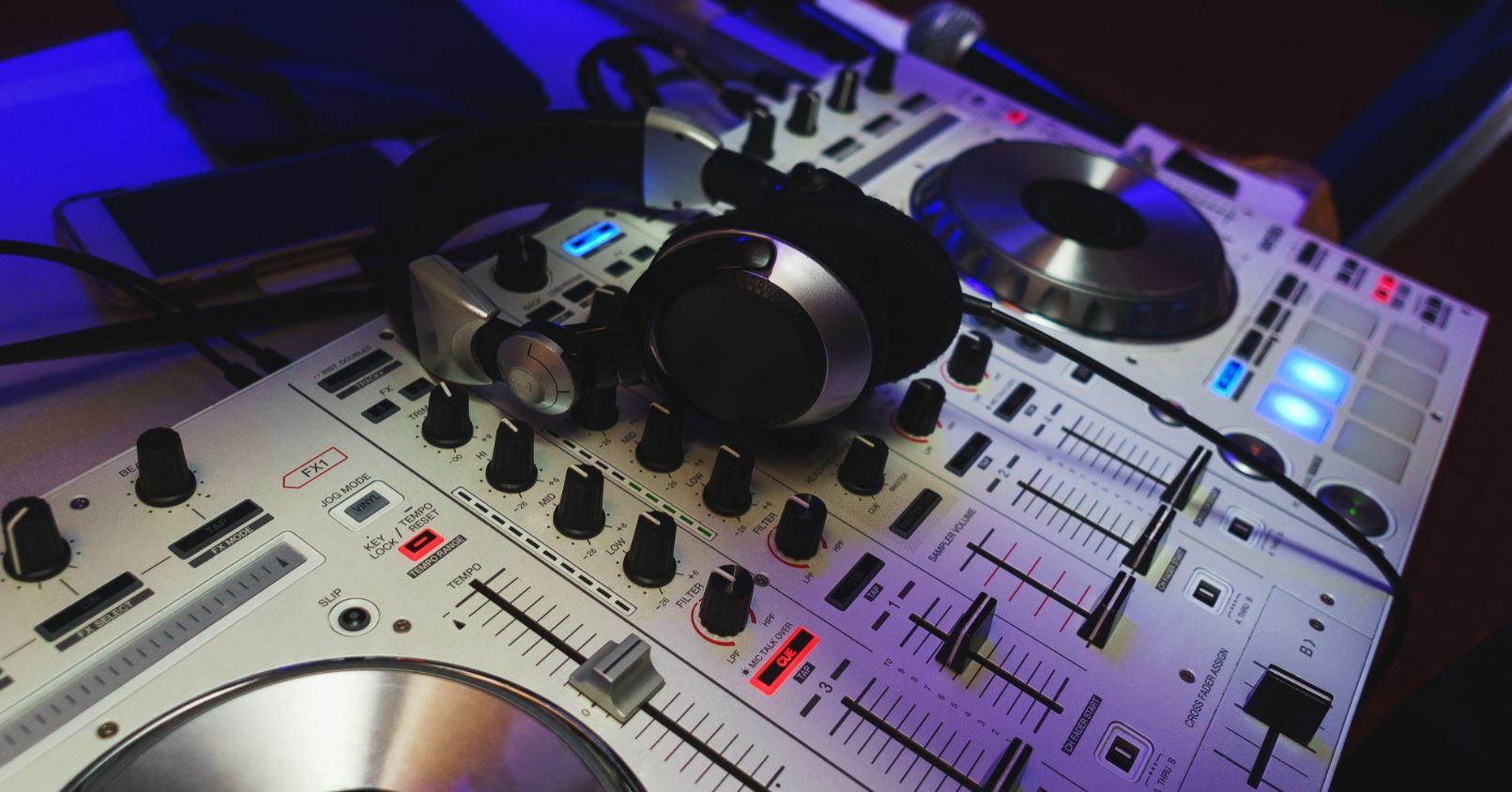 Headphones DJ Music Production