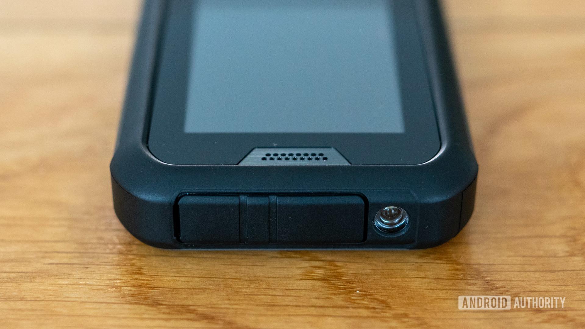 Nokia 800 Tough review earpiece speaker and flashlight