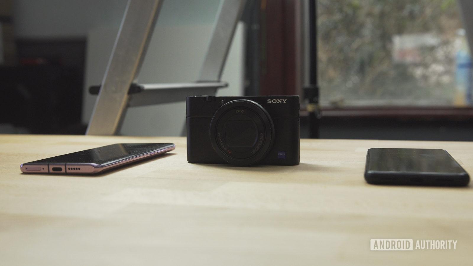 P30 Pro vs RX100 vs Pixel 4 camera stood up - Compact camera vs smartphone